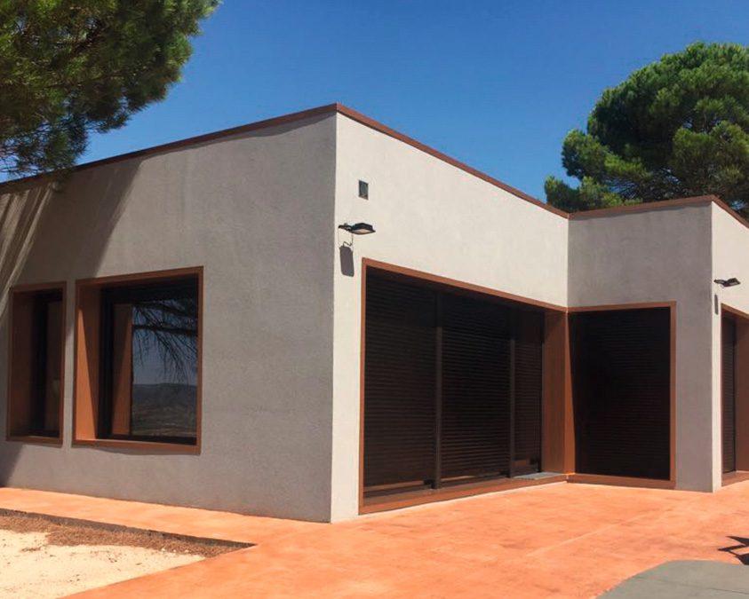 Casa pasiva de diseño moderno en Alicante, con detalles en Composite